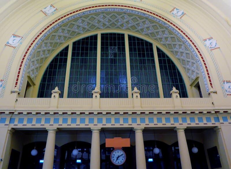 Portal von Wilson Station in Prag lizenzfreie stockfotografie