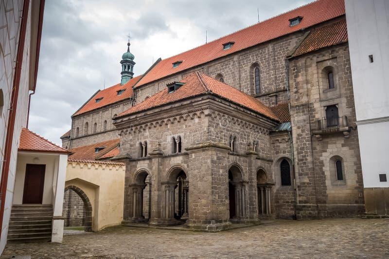portale/anticamera alla basilica della st Procopius fotografia stock libera da diritti