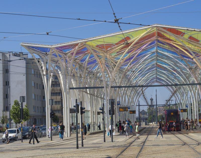 Portale Colourful sul binario di piotrkowska della stazione del tram a Lodz c fotografia stock libera da diritti