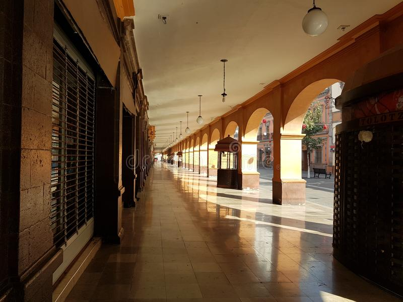 portaler i mitten av staden av Toluca, Mexico arkivfoton