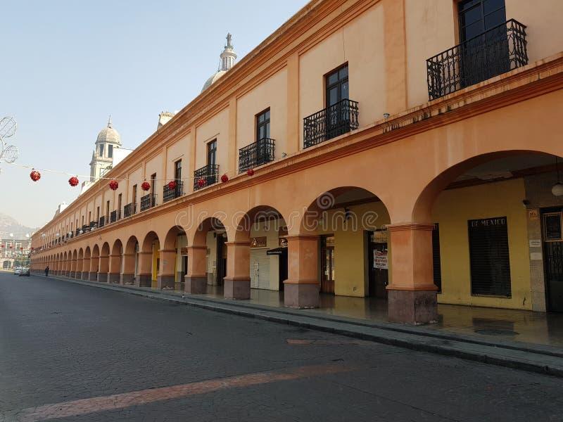 portaler i mitten av staden av Toluca, Mexico royaltyfria foton