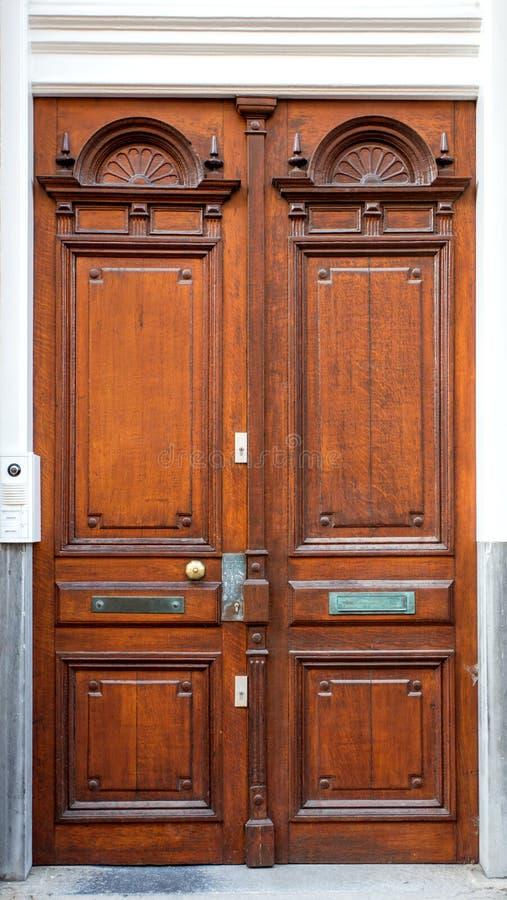 Portas da rua elegantemente projetadas foto de stock royalty free