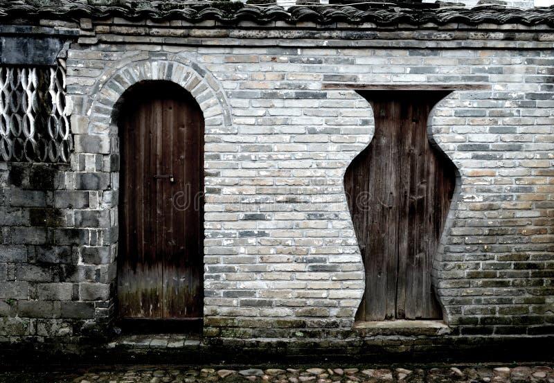 Portas de madeira antigas chinesas fotografia de stock royalty free