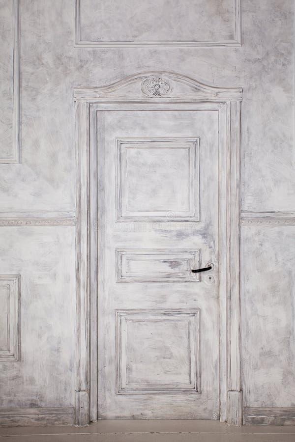 Portas de madeira do vintage Fundo retro interior fotografia de stock royalty free