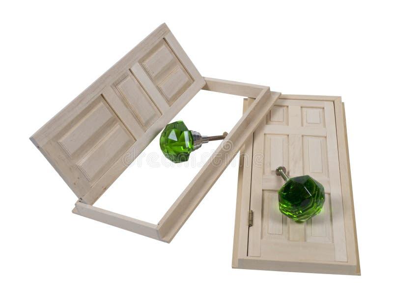 Portas de madeira e Doorknobs de cristal imagem de stock royalty free
