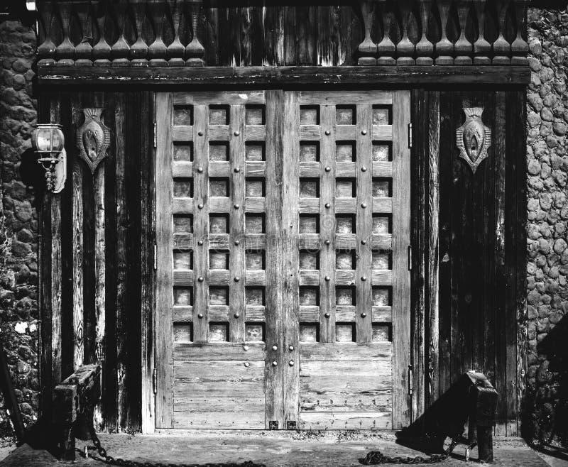 Portas de madeira velhas foto de stock