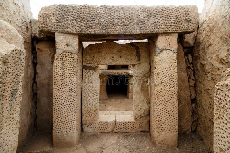 Portas e Windows de Hagar Qim e de templos de Mnajdra imagem de stock royalty free