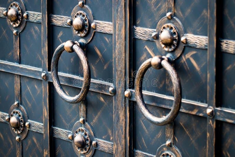 portas magníficas do ferro forjado, forjamento decorativo, eleme forjado foto de stock royalty free
