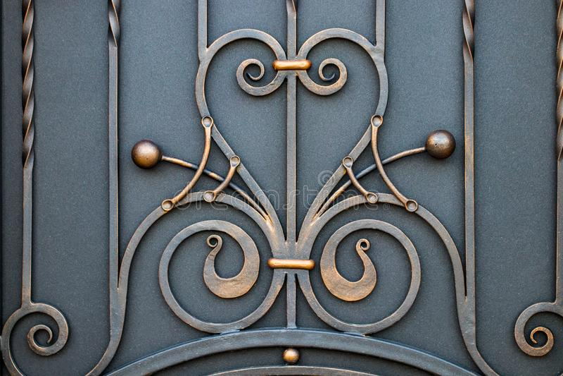 portas magníficas do ferro forjado, forjamento decorativo, eleme forjado fotos de stock royalty free