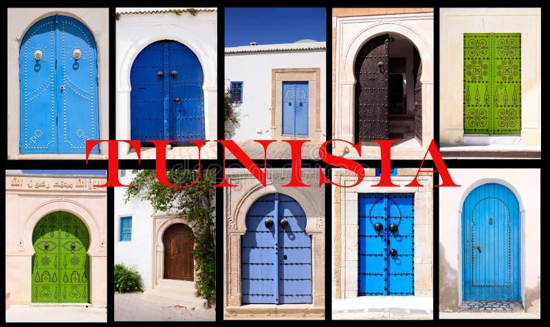 Portas tradicionais tunisinas, ornamento árabes, curso Tunísia foto de stock