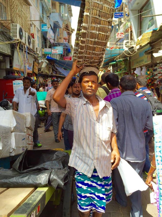 Portatore del mercato, Mumbai, India fotografie stock libere da diritti