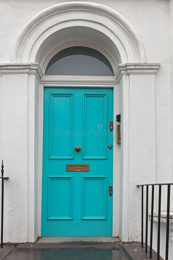 Download Porte image stock. Image du victorian, turquoise, entrée - 77162679