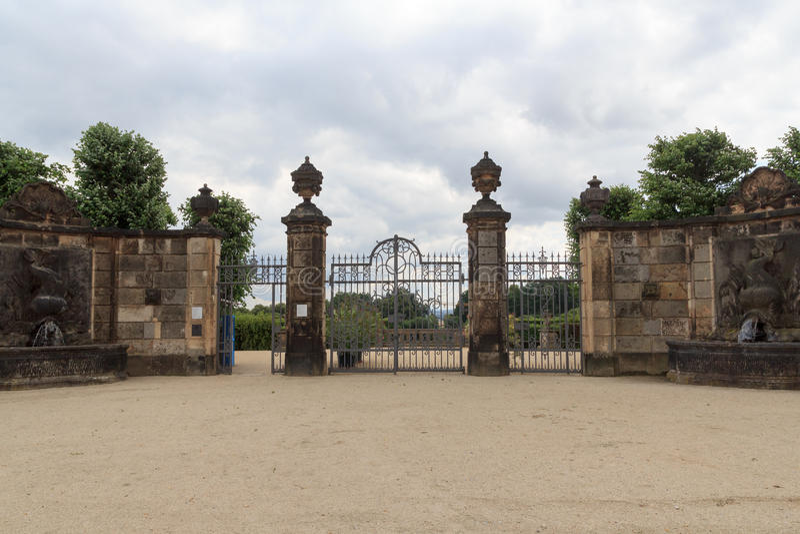 Porte au jardin baroque Grosssedlitz dans Heidenau, Saxe images stock