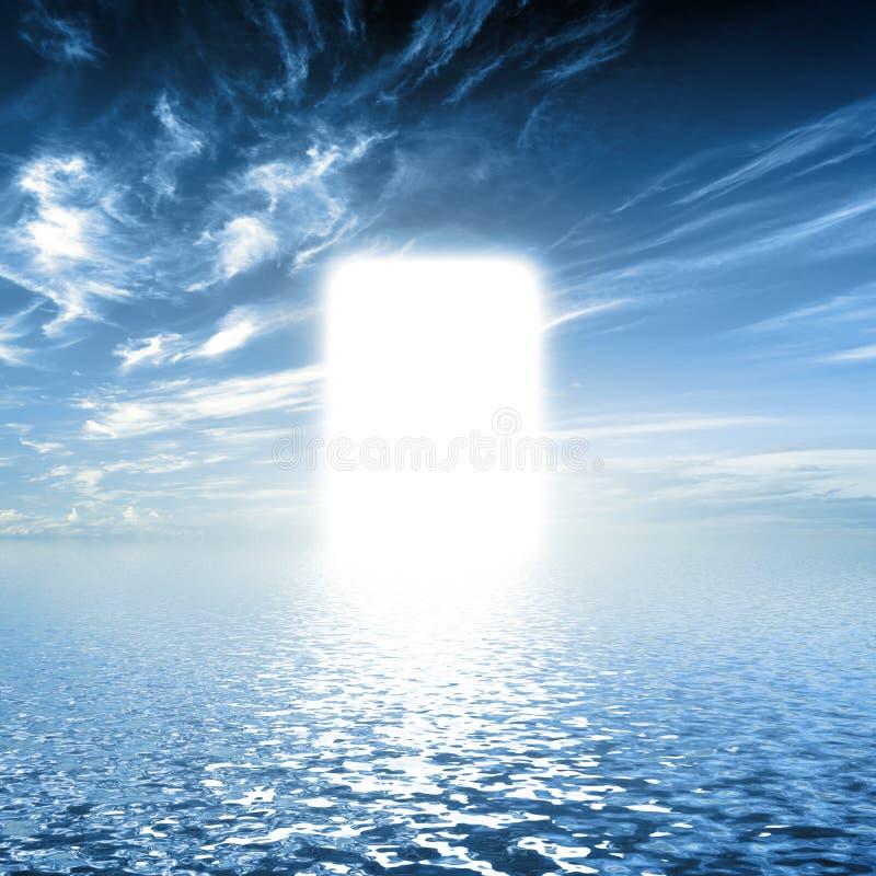 Porte au paradis, manière sur l'eau vers la lumière, nouveau monde, Dieu images libres de droits