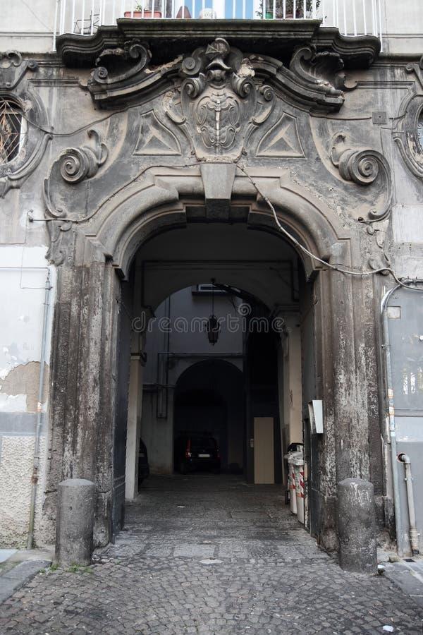 Porte baroque napolitaine photos libres de droits