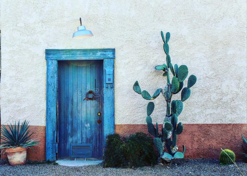 Porte bleue photos stock