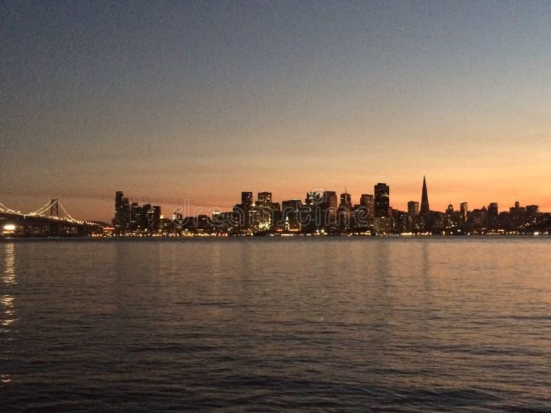 Porte d'or de San Francisco de coucher du soleil image libre de droits