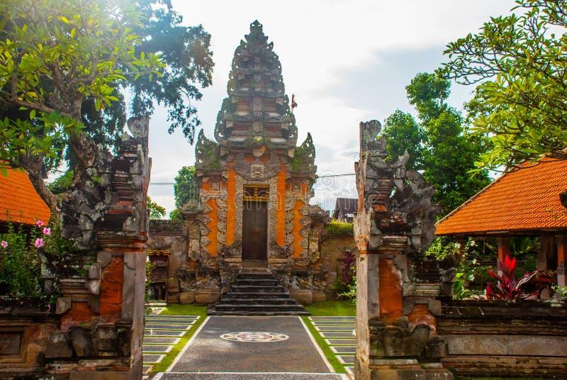 Porte d'entrée de Balinese du temple Ubud, Bali, Indonésie image libre de droits