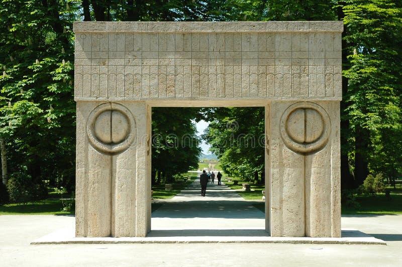 Porte de baiser de Constantin Brancusi photographie stock libre de droits