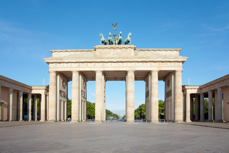 Porte de Brandebourg, Ciel bleu, Berlin photographie stock