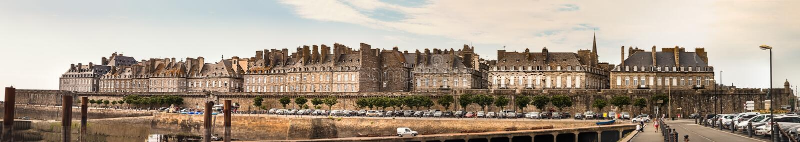 Porte DE Dinan, panorama, de Ommuurde Stad van Saint Malo, Frankrijk royalty-vrije stock foto