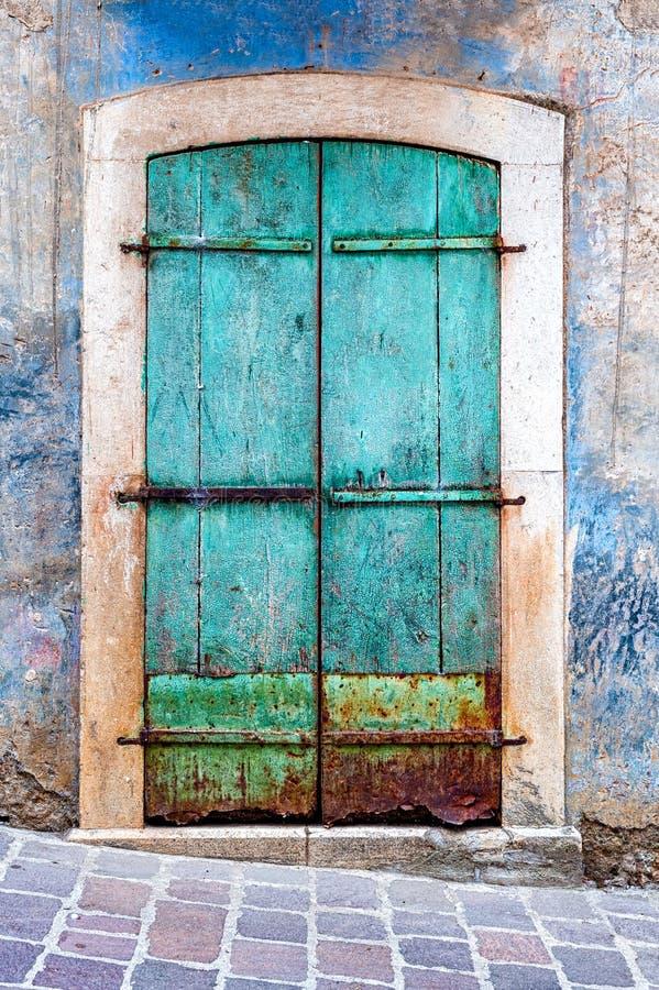 Porte de grunge de turquoise image libre de droits