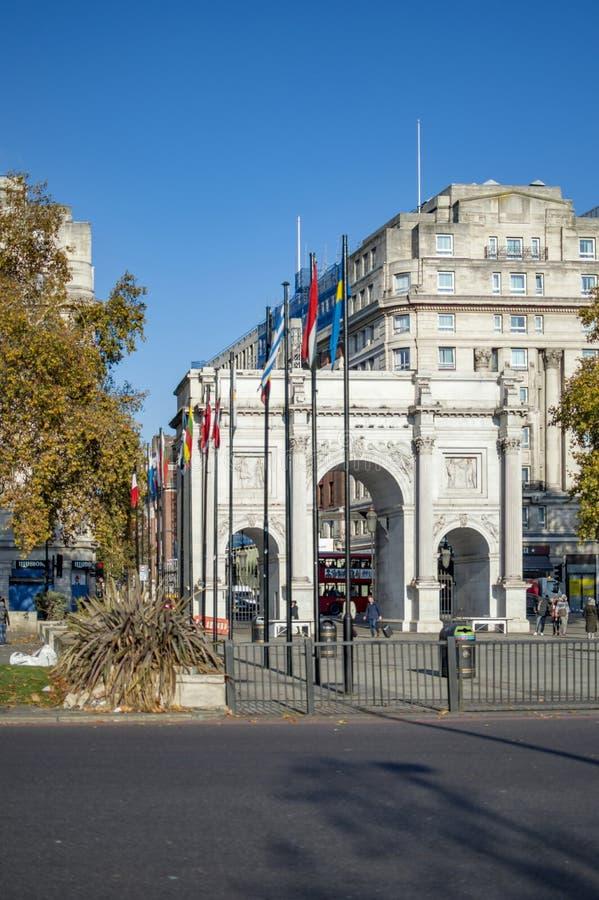 Porte de Hyde Park sur l'autre conduite de côté image libre de droits