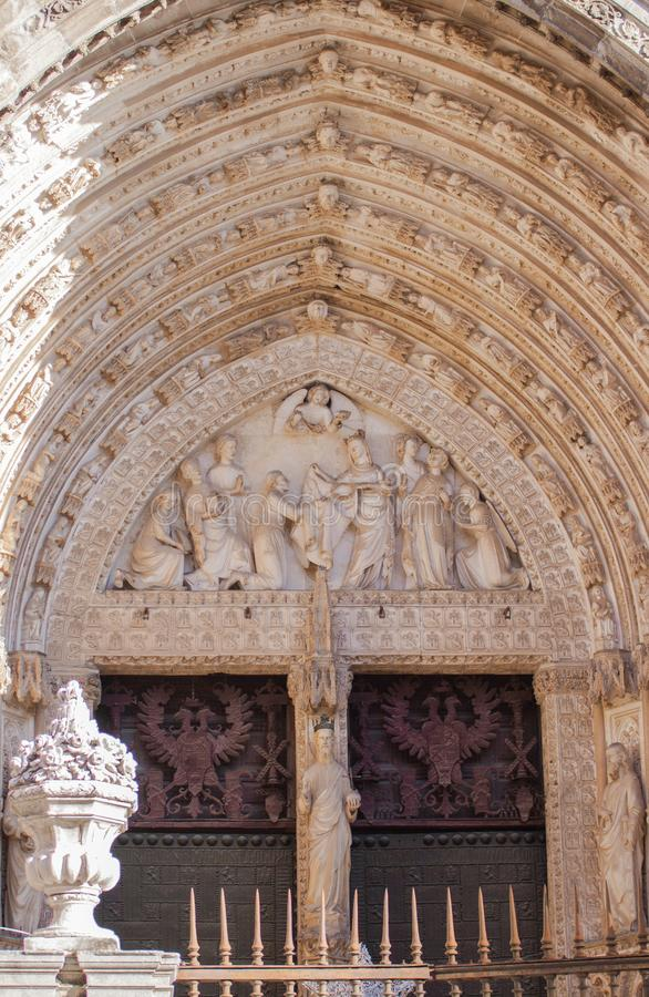 Porte de la rémission, cathédrale de Toledo photos stock