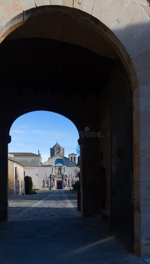 Porte de monastère de Poblet photos stock