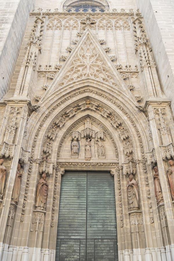 Porte de naissance ou porte de San Miguel de la cathédrale de Séville, PS photo stock