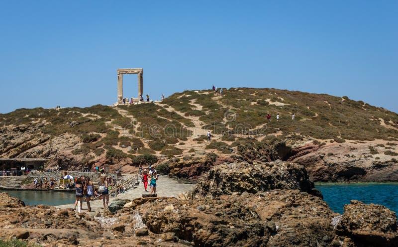 Porte de Portara, sur la colline, dans Naxos, la Grèce image stock