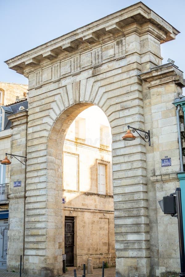 Porte de Quai de la Monnaie en Bordeaux image stock