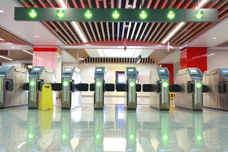 Porte de station de métro photographie stock