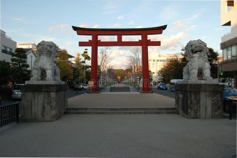 Porte de tombeau de Tsurugaoka Hachiman-GU image stock