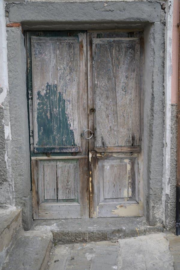 Porte de vintage en Italie images libres de droits