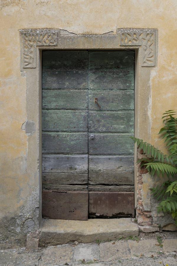Porte de vintage en Italie photos libres de droits