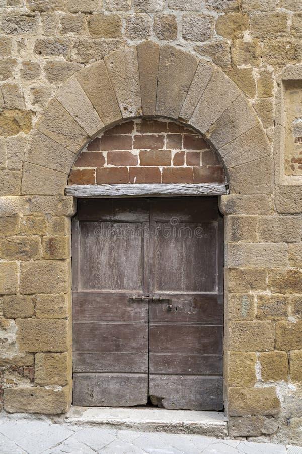Porte de vintage en Italie photo stock