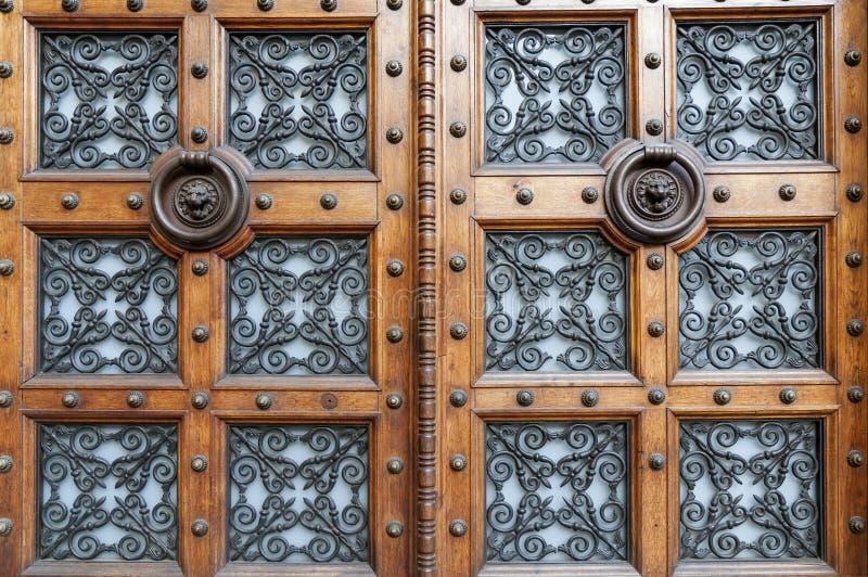Download Porte decorate immagine stock. Immagine di metallico - 30829557