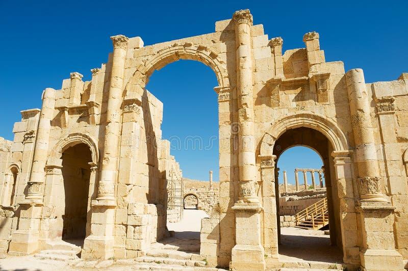 Porte du sud de la ville romaine antique de Gerasa, Jerash moderne en Jordanie image libre de droits