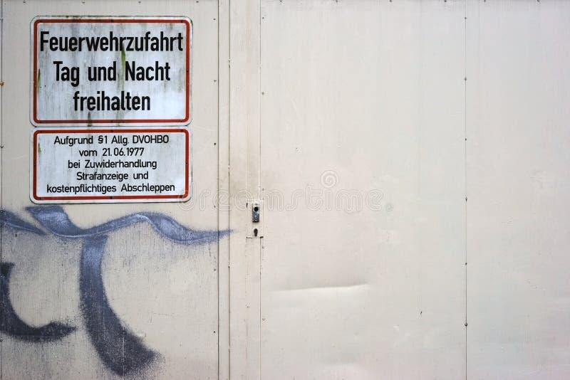 Porte en acier résistante par feu photos libres de droits