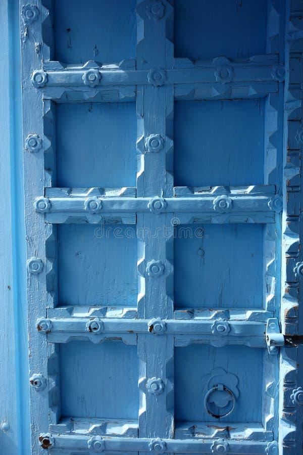 Porte en bois bleu-clair 2 image libre de droits