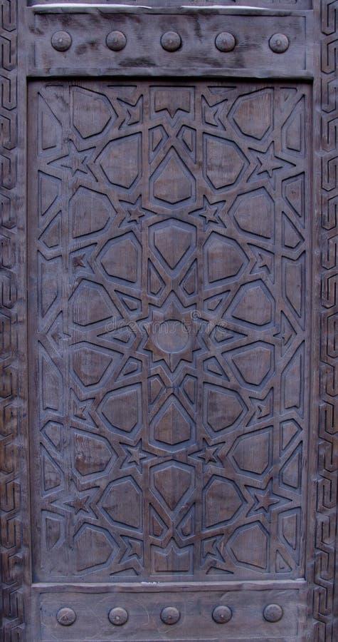 Porte en bois de cru photo libre de droits