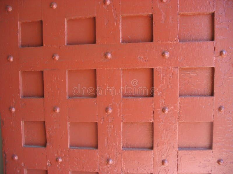 Porte en bois rouge de vintage photo stock