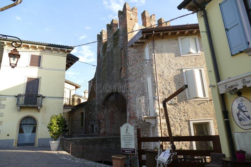 Porte en pierre d'†de Borghetto « images libres de droits