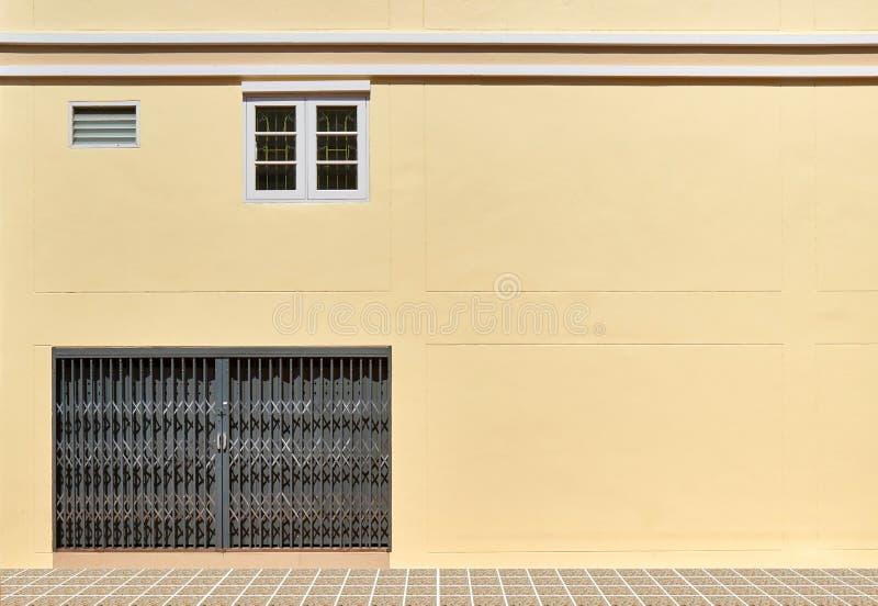 Porte et fenêtre en métal photos stock