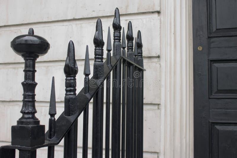 Porte et porte noires image libre de droits