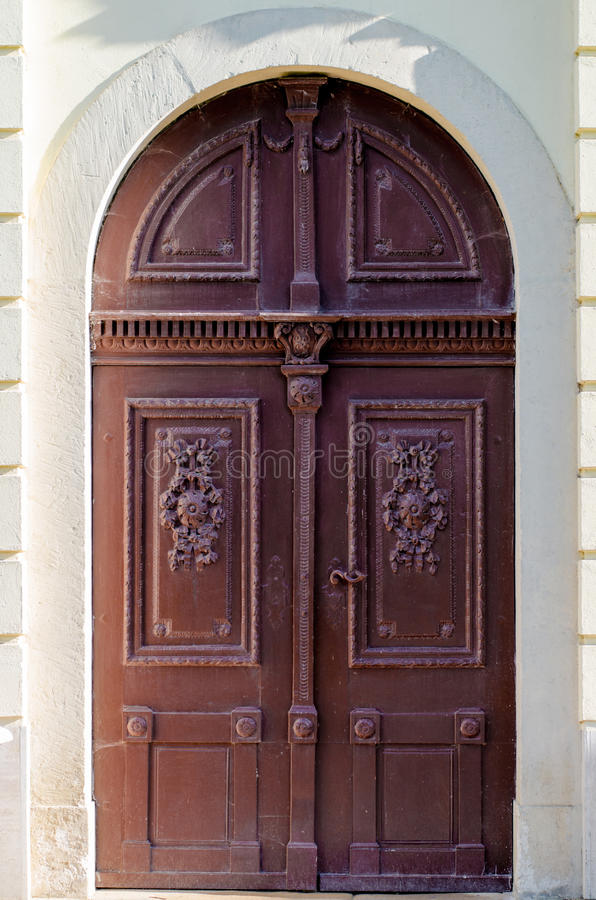 Porte fleurie image stock