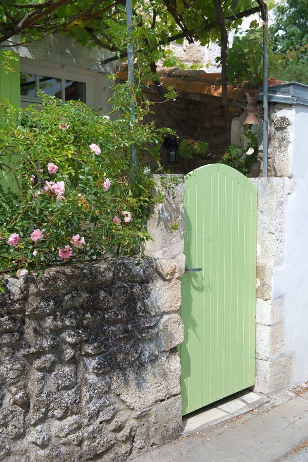 Vieille trappe française image stock. Image du wooden - 72598365