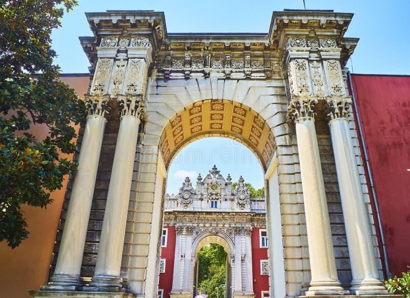 Porte impériale du palais de Dolmabahce Secteur de Besiktas, Istan photographie stock