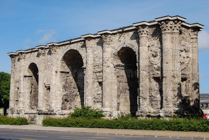 Download Porte Mars, Reims, France stock photo. Image of detail - 30959726